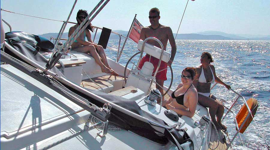 /Images/media_news/where-to-go-sailing-in-france-image1.jpg